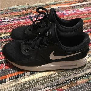 Women's air max shoes size 8
